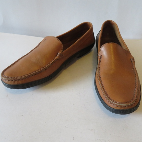 LIKE NEW TOD S TAN LEATHER LOAFERS 37 1 2 896d9d54673
